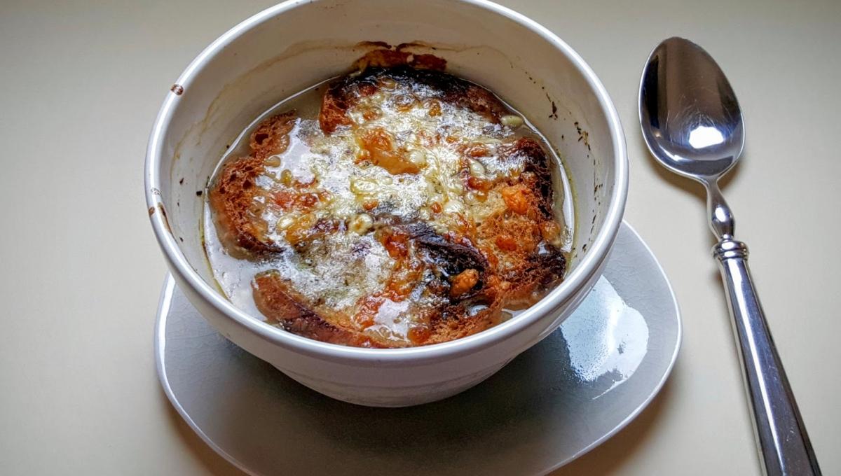 Mariatotal soupe l oignon gratin e - Soupe a l oignon gratinee ...